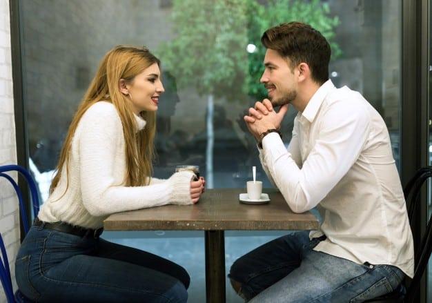 premier rendez vous couple a table
