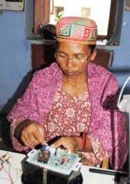Je m'appelle Florette, je suis « ingénieure » solaire du Barefoot Collège