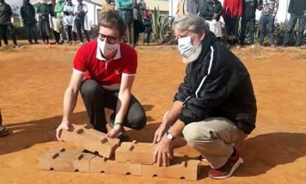 Bientôt des constructions en briques écologiques à Madagascar