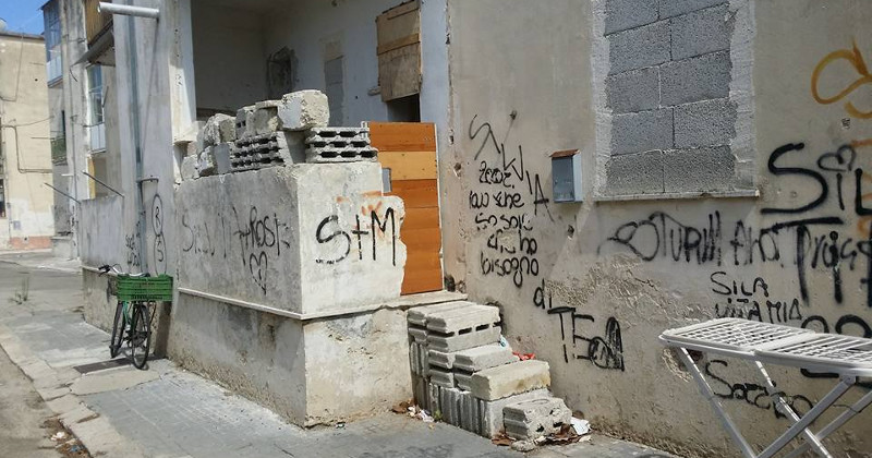 "Lecce, crumbling public housing, protest: ""20 families waiting for new housing"""
