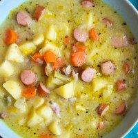 Omas Kartoffelsuppe mit Würstchen