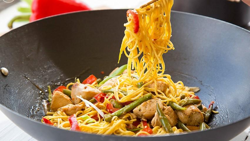Ταϋλανδέζικο κοτόπουλο με noodles
