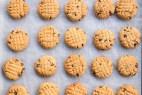 Πανεύκολα μπισκότα με φυστικοβούτυρο και σοκολάτα (Video)