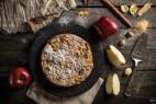 Φθινοπωρινό κέικ μήλου με γιαούρτι και μπαχαρικά