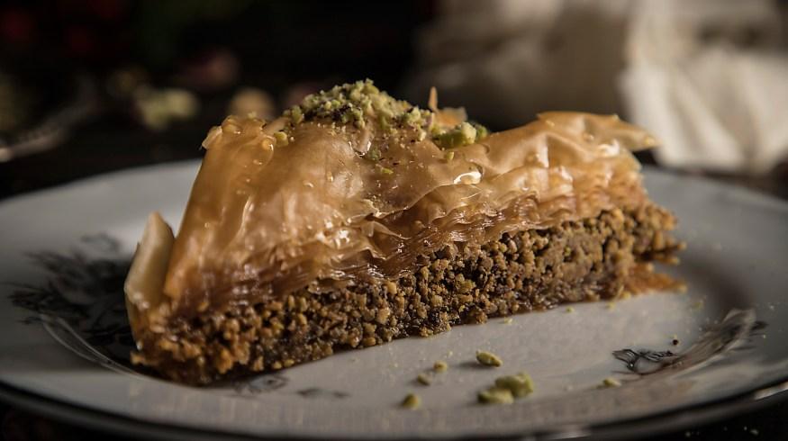 5 παραδοσιακά γλυκά για το πασχαλινό τραπέζι