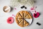 Γλυκιά πίτα με δαμάσκηνα νηστίσιμη, εύκολη και απολαυστική (VIDEO)