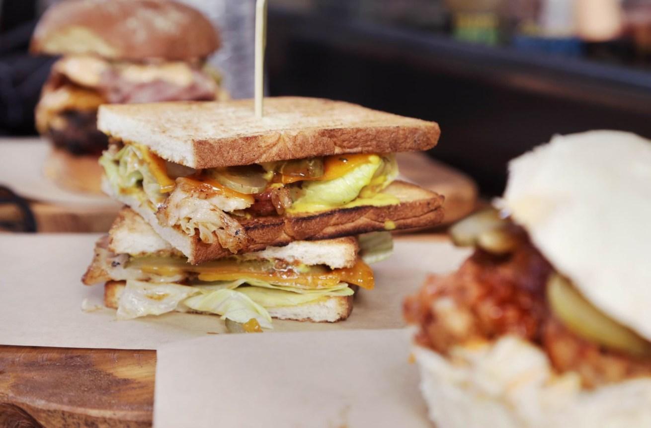 Meat Lab: Η νέα «σάντουιτς φάμπρικα» του κέντρου
