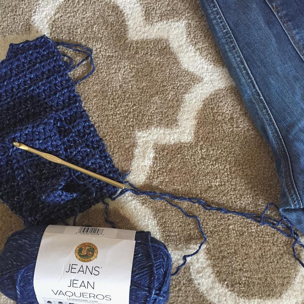 Ive been wanting to try Jeans by lionbrandyarn ever sincehellip