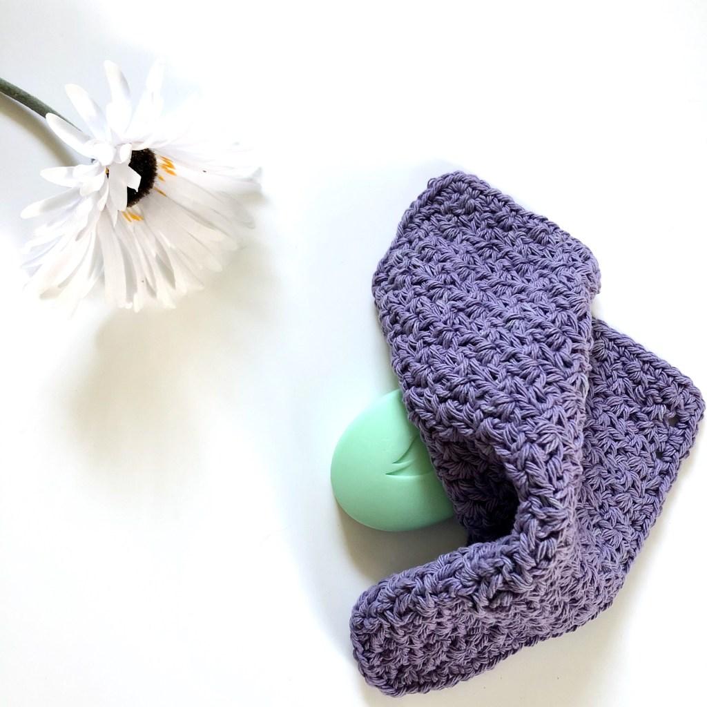 Wattle stitch washcloth free pattern by MadameStitch
