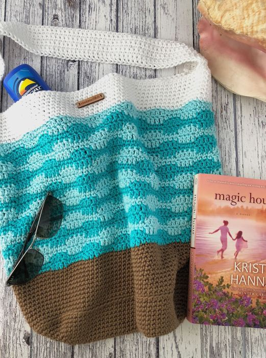 Smooth Wave Tote bag crochet pattern by MadameStitch