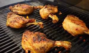 Sprøde andelår på grill