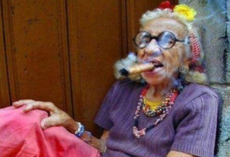 granny-cigar