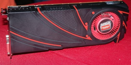 AMD-Radeon-R9-290X-Hawaii_XT_12