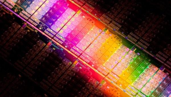 Intel-Ivy-Bridge-EP-Xeon-E5-2600-V2-Die