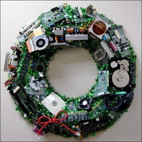 christmas-door-wreath-geeks-nerd-tech-it1