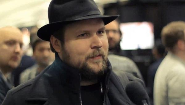 "Creador de Minecraft cancela acuerdos con Oculus VR: ""Facebook me asusta"""