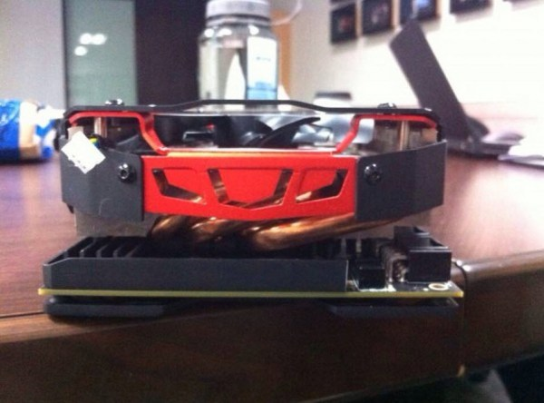PowerColor_Radeon_R9295X2_Devil13_05