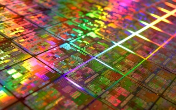 """Intel rompe su """"tick-tock"""" por primera vez y lanzará Kaby Lake (14nm) en el 2016"""