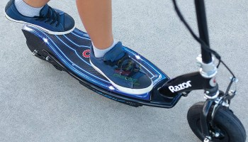 Razor E100 Glow Electric Scooter for Kids Quick Review 3