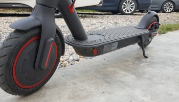 Xiaomi M365 PRO Review Front Wheel side 2
