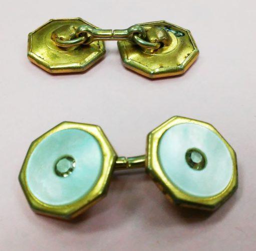 chain-style cufflinks