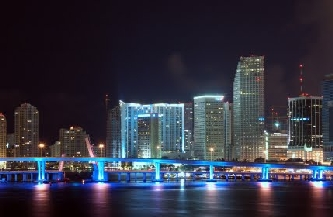 zz downtown-miami-at-night.99204414