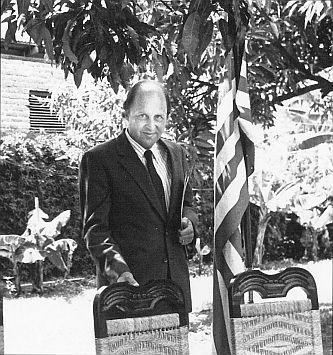 Negroponte in Honduras, 1984