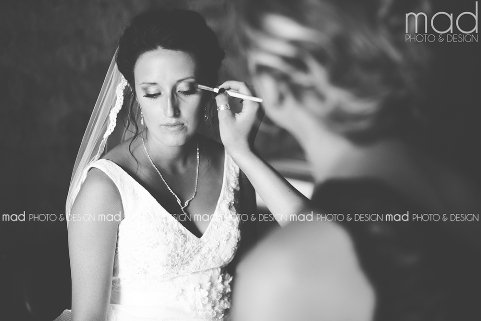 Mad Photo and Design Sioux Falls wedding photographer getting ready photos