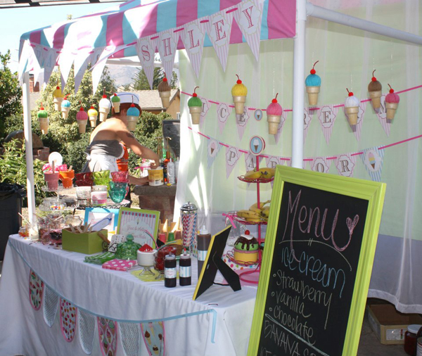 How to Make a PVC Canopy. Perfect for boutiques and parties