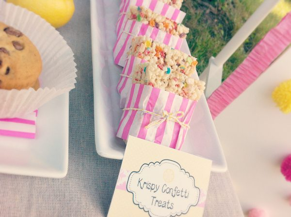Krispy Treats Lemonade Stand