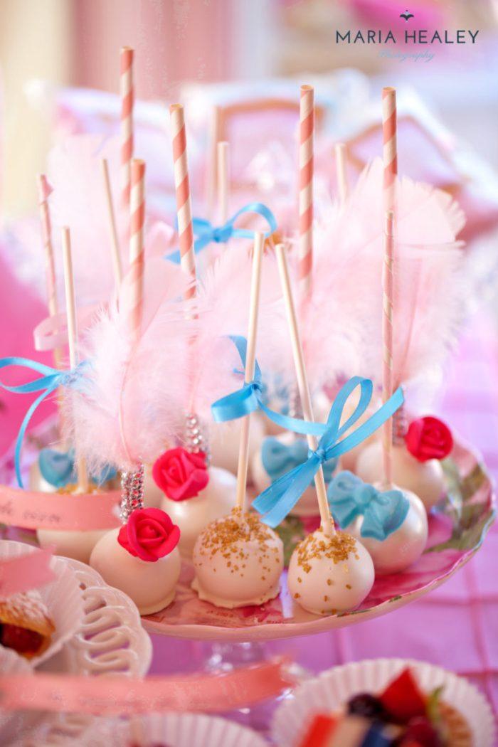 Marie Antoinette-cakepops-sm