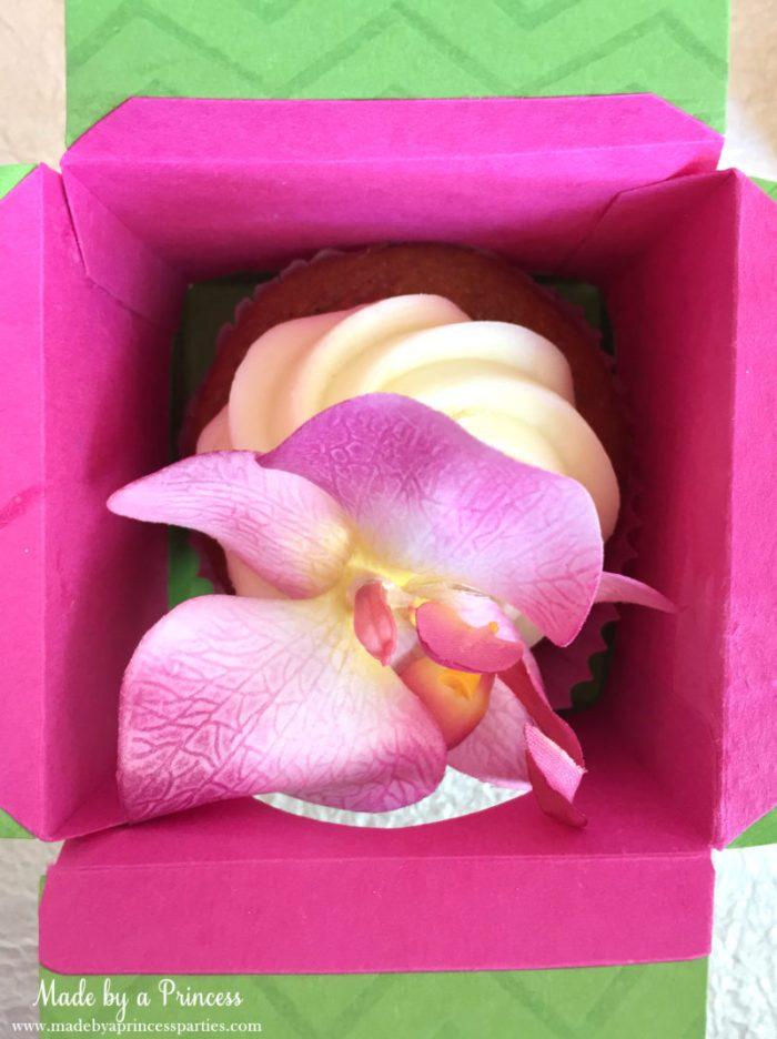 sizzix cupcake box filled