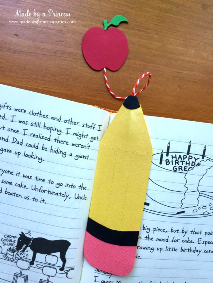 sizzix pencil bookmark 2