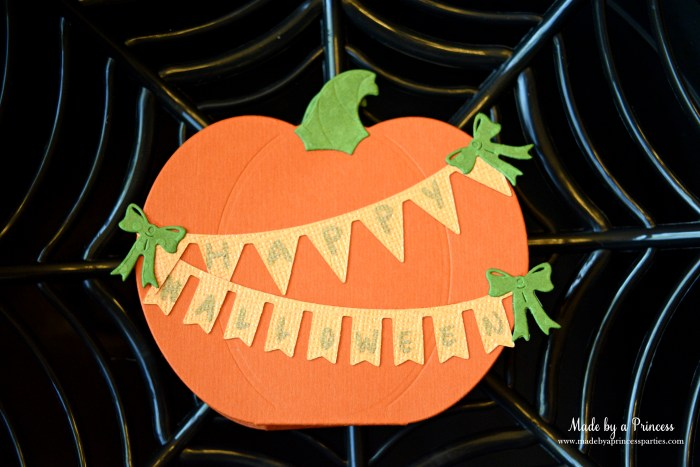 sizzix pumpkin favor outside