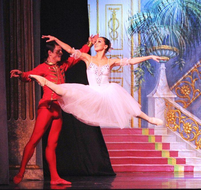 moscow ballet nutcracker Karyna Shatkovskaya in Grand Jete & Vladimir Tkachenko