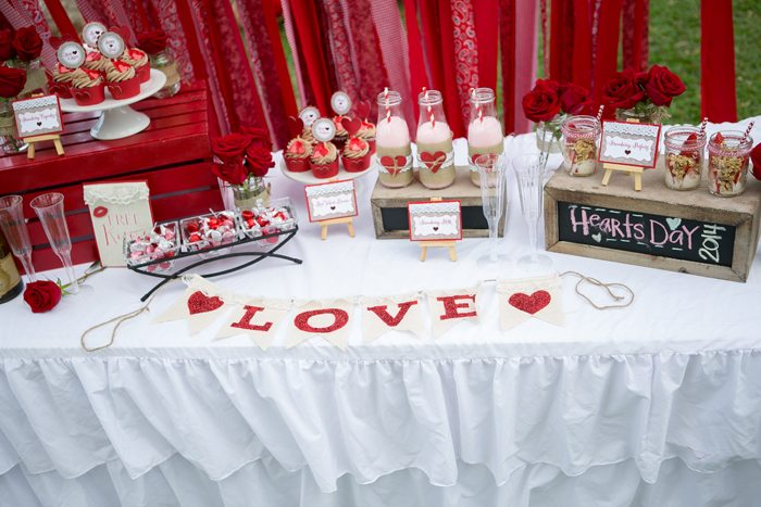 celebrate happy hearts day table