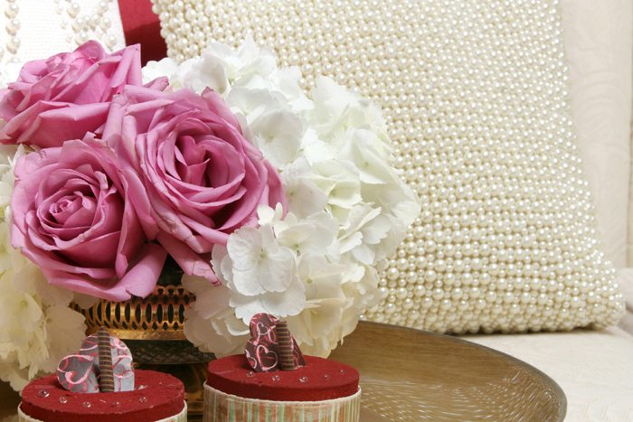 sweethearts treats for two pink roses
