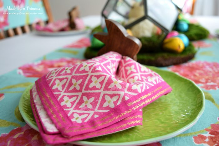 Easy Easter Entertaining Ideas foil geometric napkin