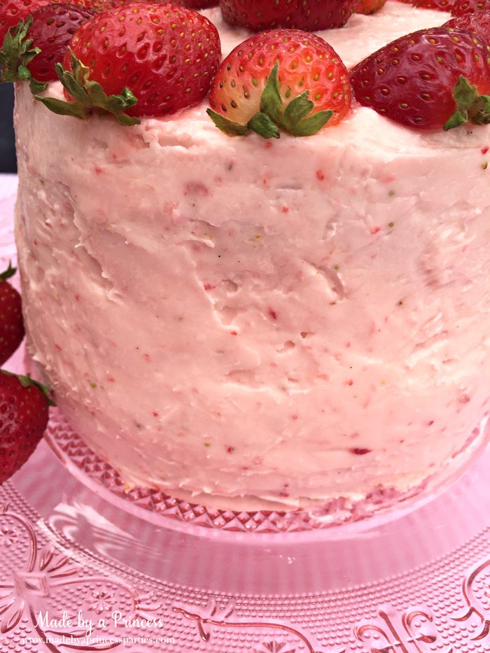 strawberry lemonade cake cream cheese frosting fresh berries in the frosting