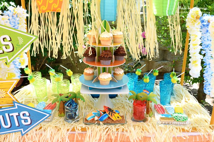 surfs up graduation party with evite table 2