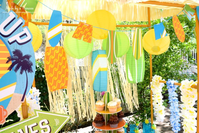 surfs up graduation party with evite table 3