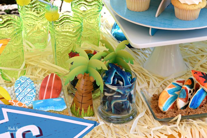 surfs up graduation party with evite top table