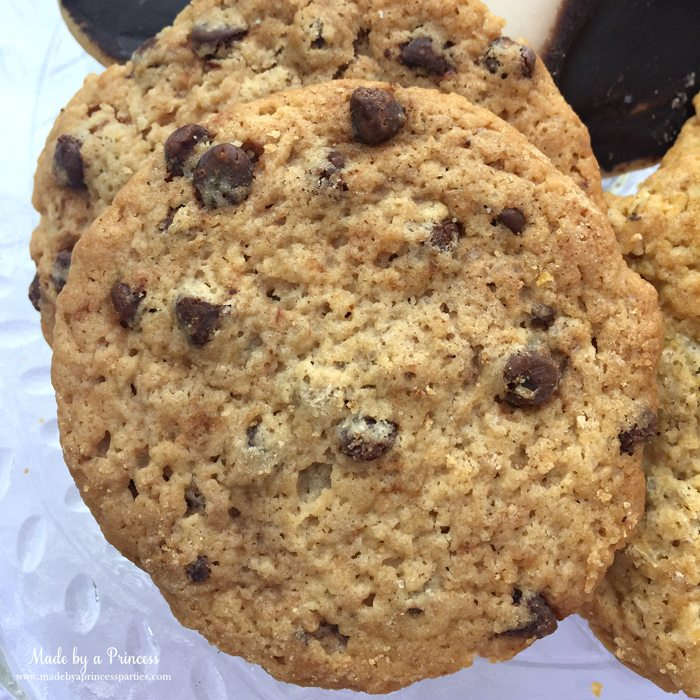 gimmee jimmys cookie revew chocolate chip