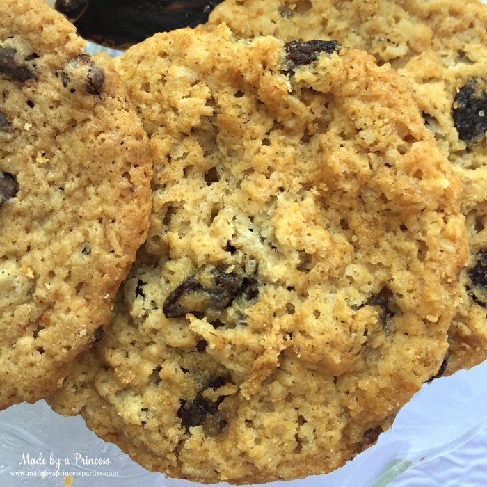 gimmee jimmys cookie revew oatmeal