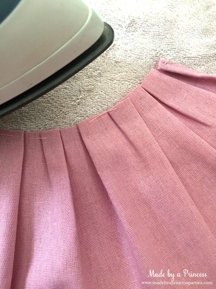 create-darling-simple-apron-halloween-costume-out-of-full-apron-press-seams-down-to-create-gathered-look