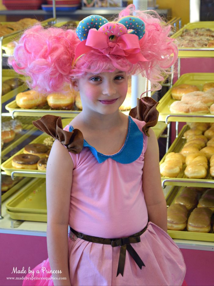 diy-shopkins-shoppie-halloween-costume-donatina-loves-her-donut-shop