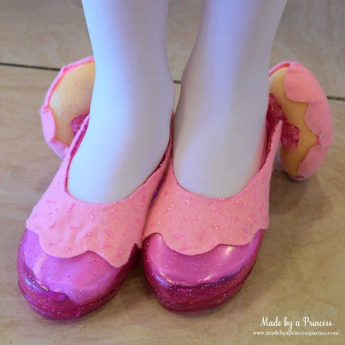 diy-shopkins-shoppie-halloween-costume-donatina-pink-frosting-donut-heels