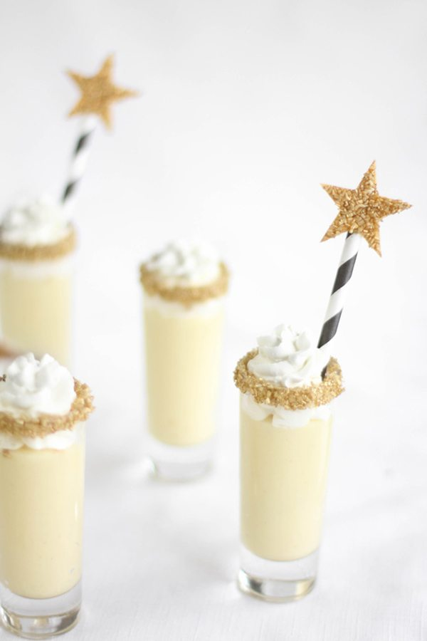 bubbly-champagne-recipe-cocktail-ideas-champagne-chantilly-shooters