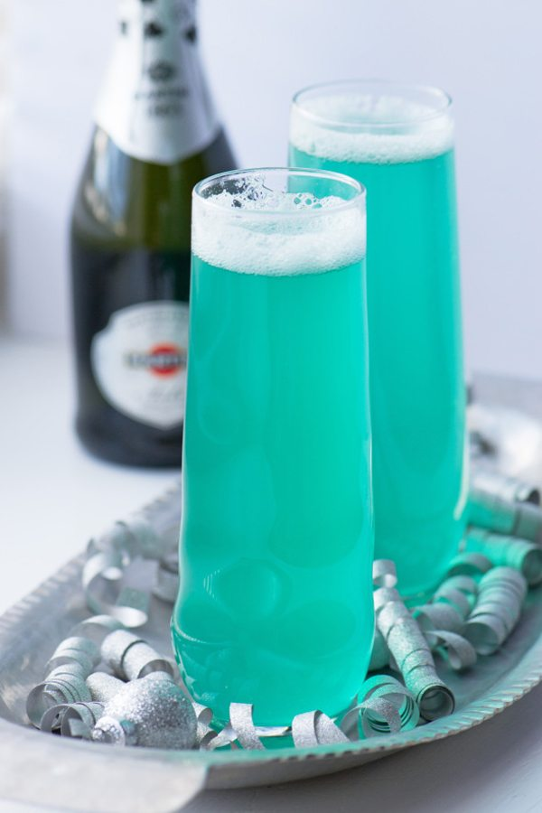 bubbly-champagne-recipe-cocktail-ideas-turquoise-sip