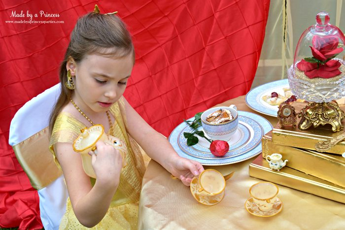 Beauty-and-the-Beast-Movie-Tea-Party-for-Two-belle-discovers-mrs-potts-eyes-move